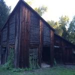 photo-pond_farm_barn_exterior